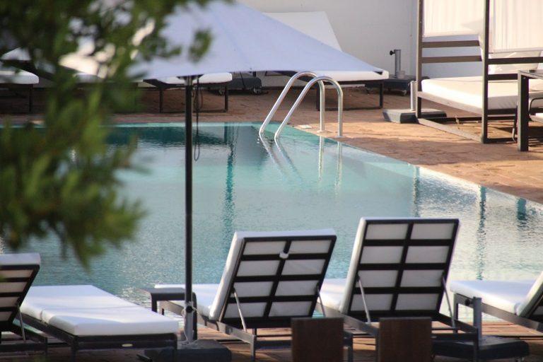 Área de piscina.