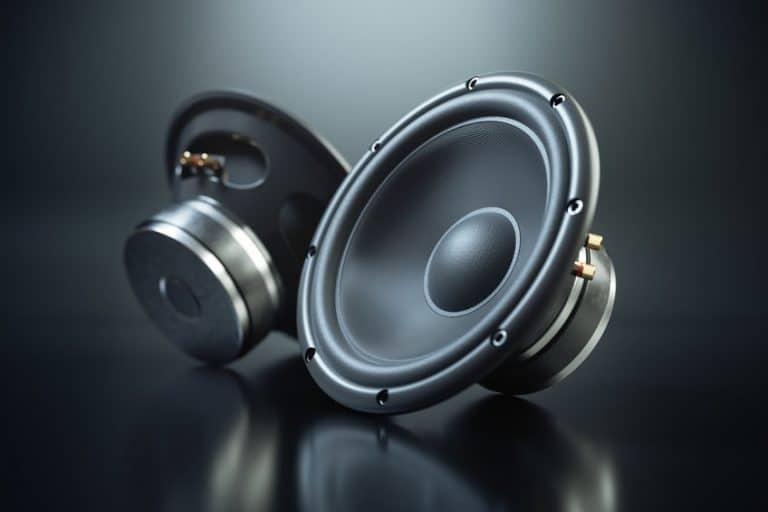 Imagem de amplificadores de som preto.