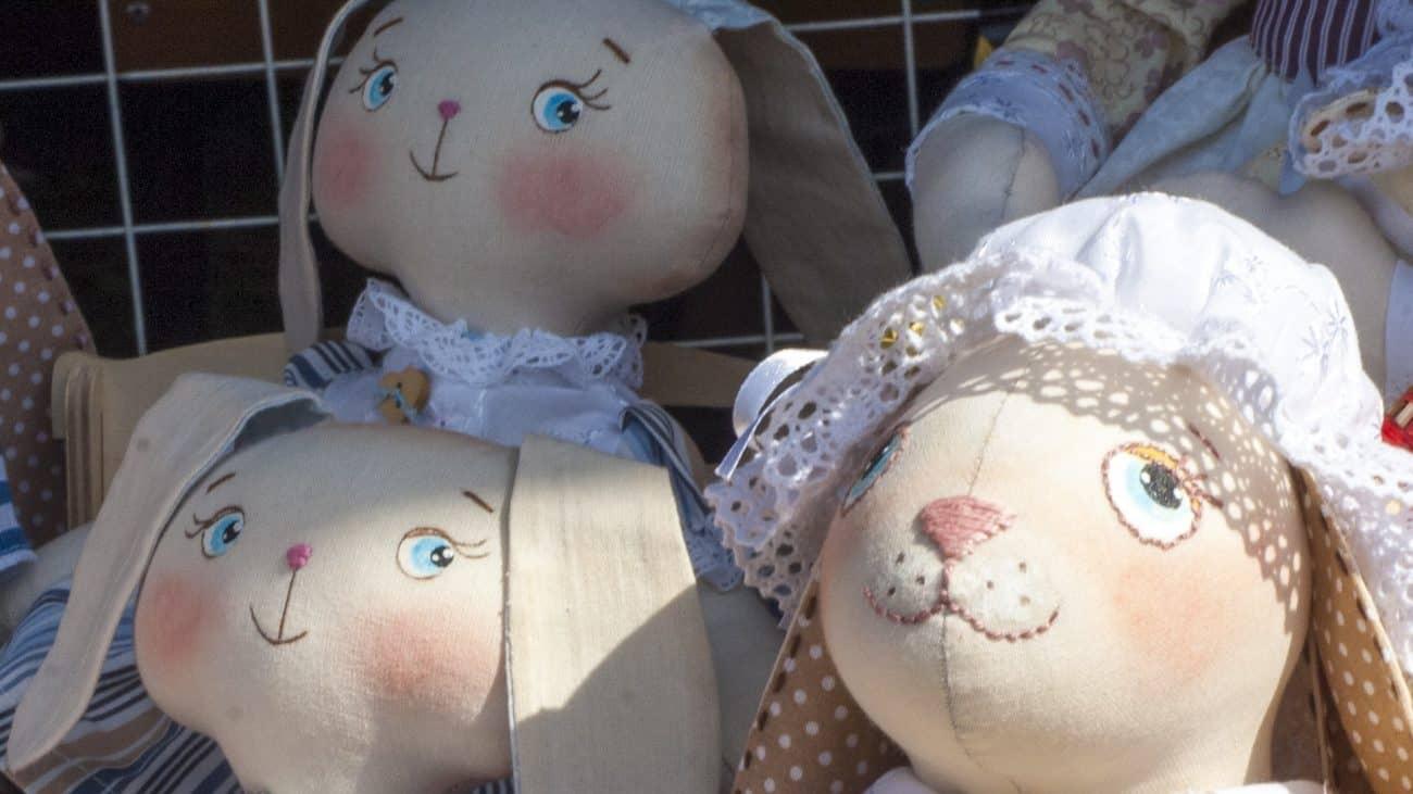 Bonecas de pano.
