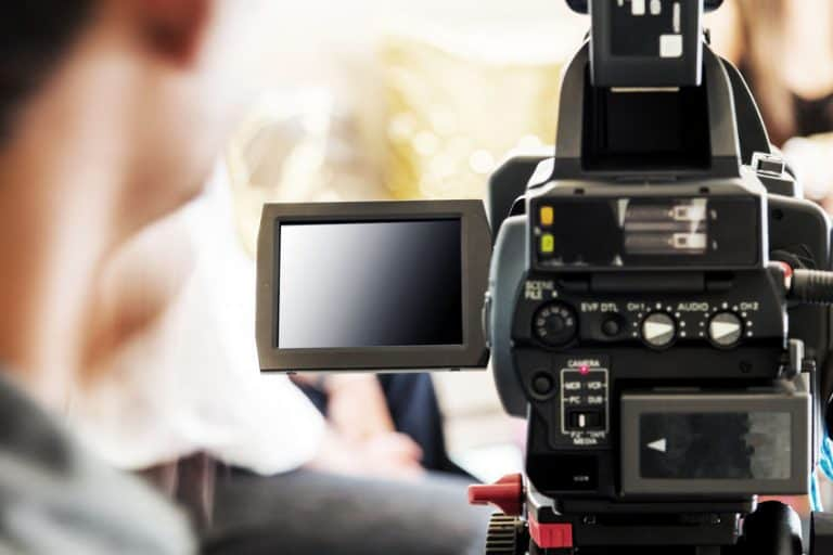 Câmera filmadora profissional.