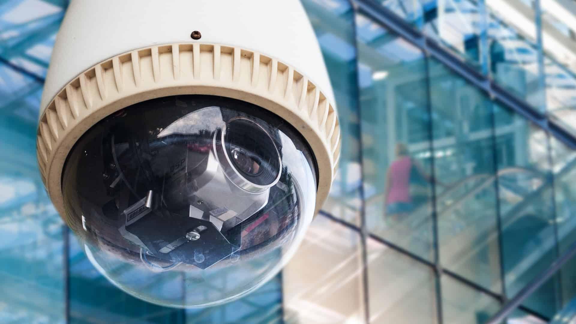 Imagem de câmera de segurança.