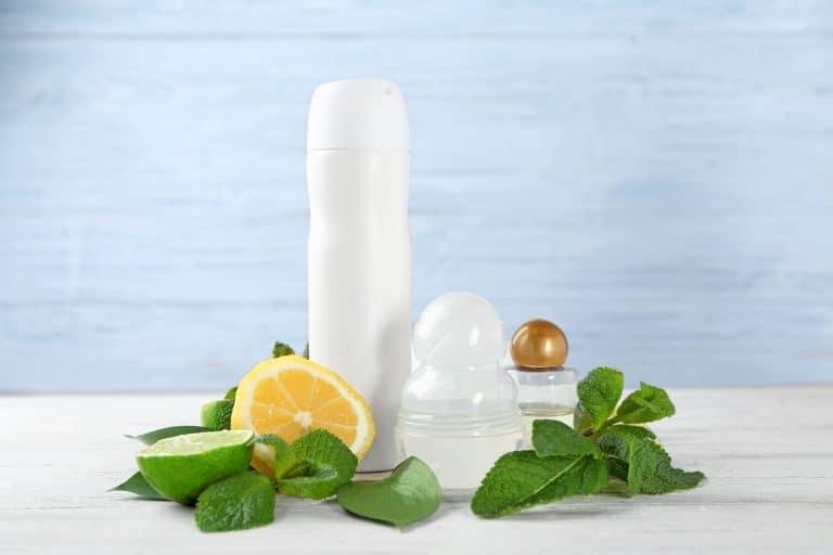 Frutas cítricas, folhas e desodorantes.