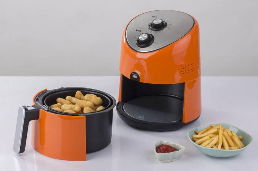Fritadeira sem óleo laranja.