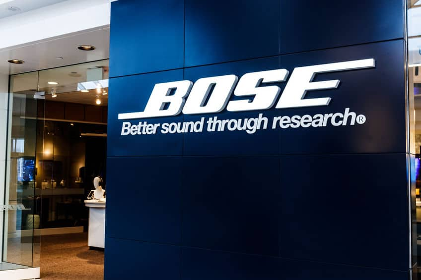 Fachada com logomarca Bose.