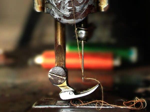 Imagem de máquina de costura Singer.