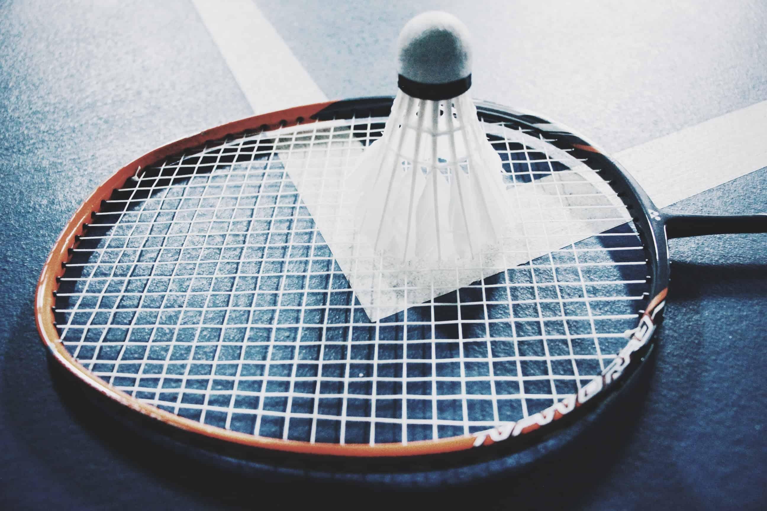 Raquete de badminton.