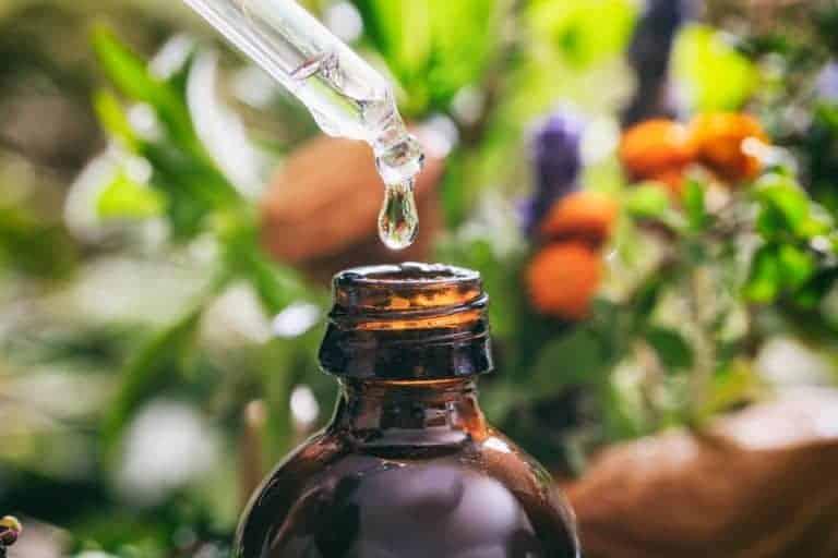 Imagem de recipiente com óleo.