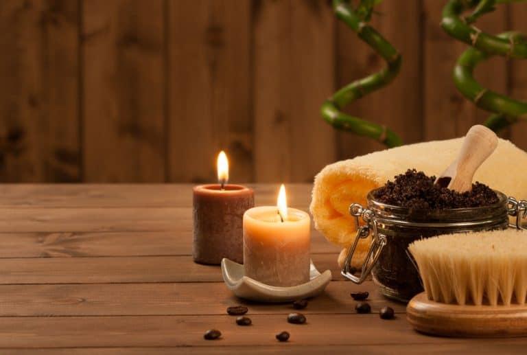 Imagem de velas e outros produtos.