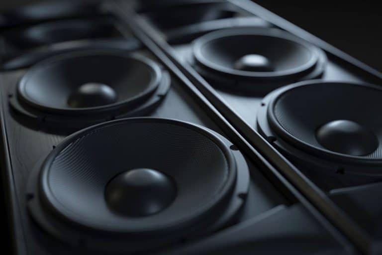 Imagem de caixa de som preta.