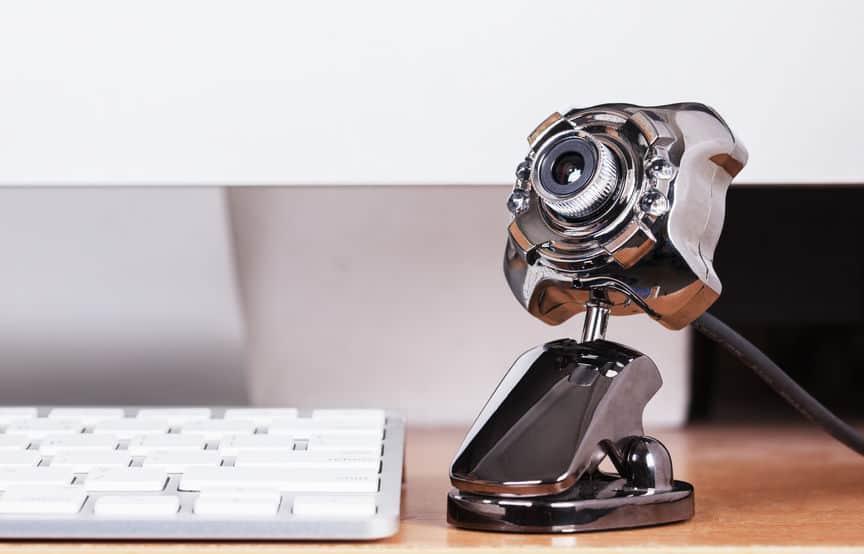 Imagem destaca modelo moderno de webcam