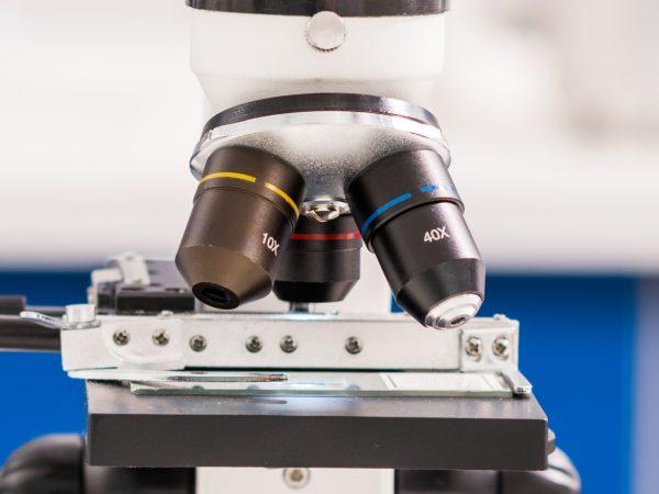 lentes de microscópio