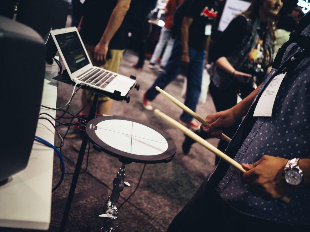 baterista na rua