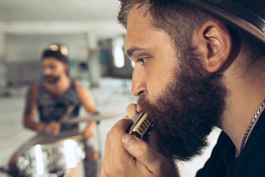 cara barbudo com gaita