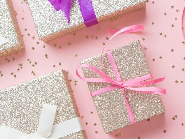 pequenos presentes rosa