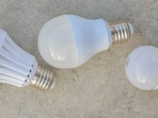 types of smart light bulbs
