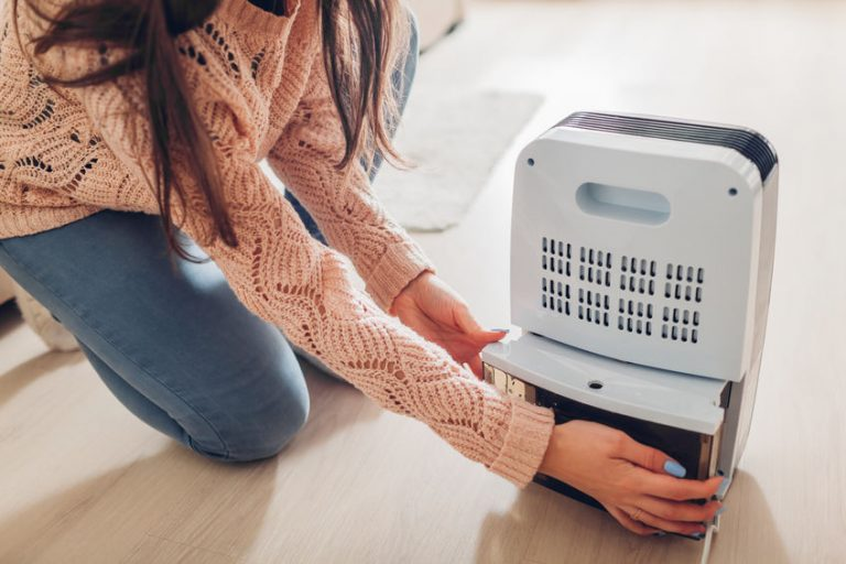 girl with a humidifier