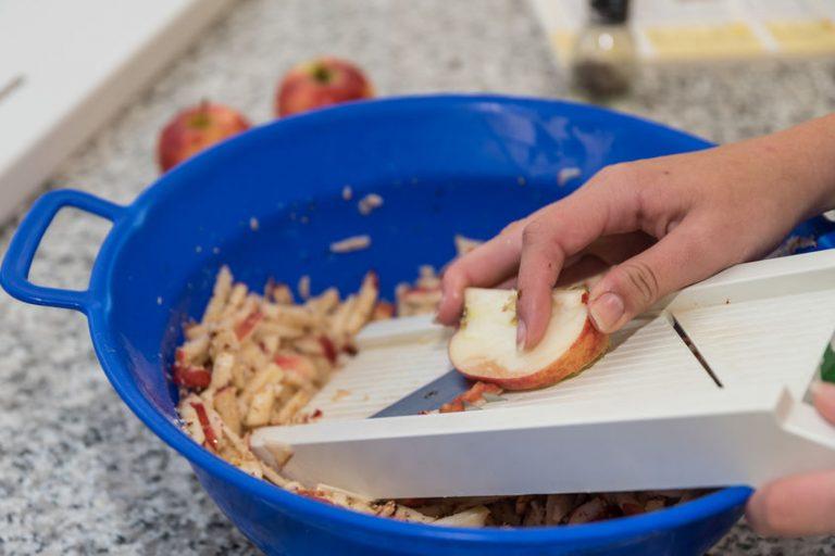 apple cuted