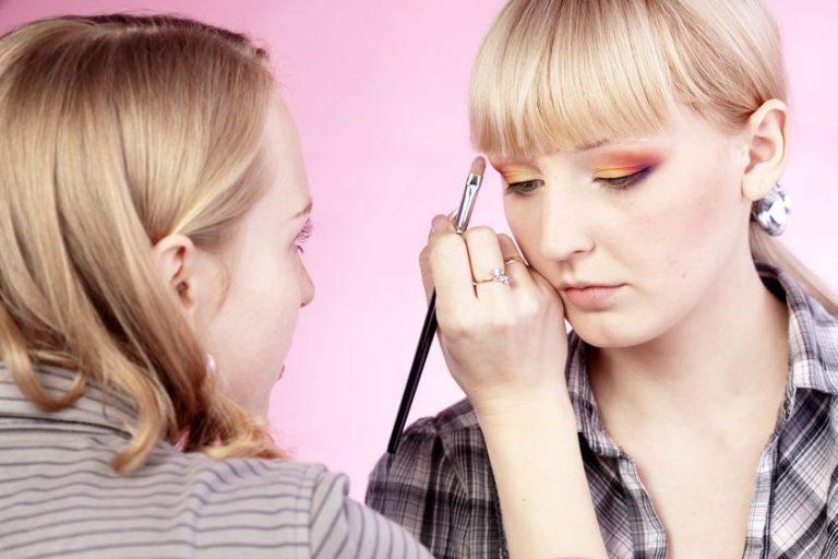 makeup professional