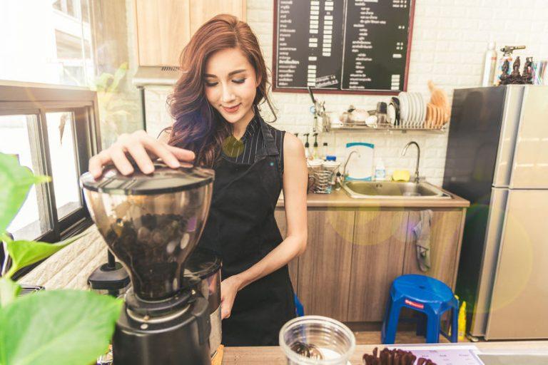 girl making some coffee