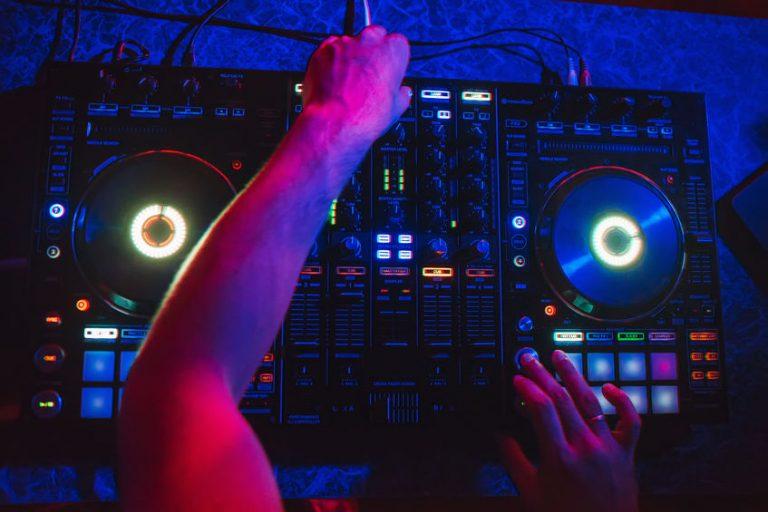 Dj mixer with RGB