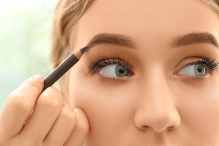 blonde girl makeup