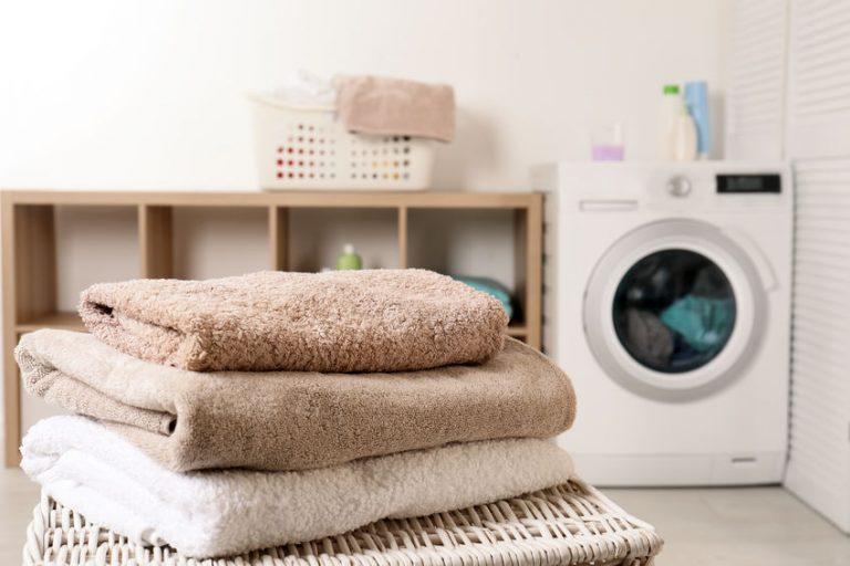 toallas en el lavadero