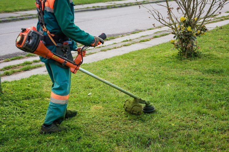 gramado de fixação de jardineiro