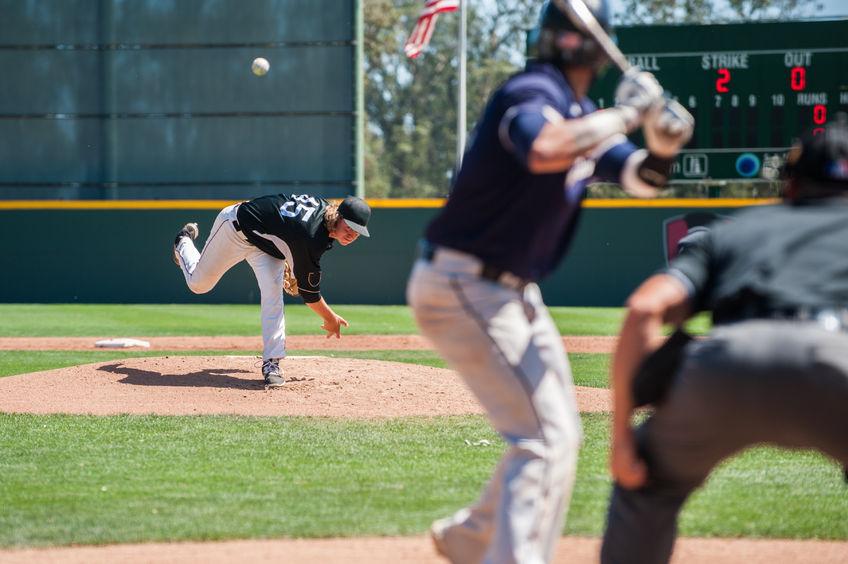 Jogo de beisebol.