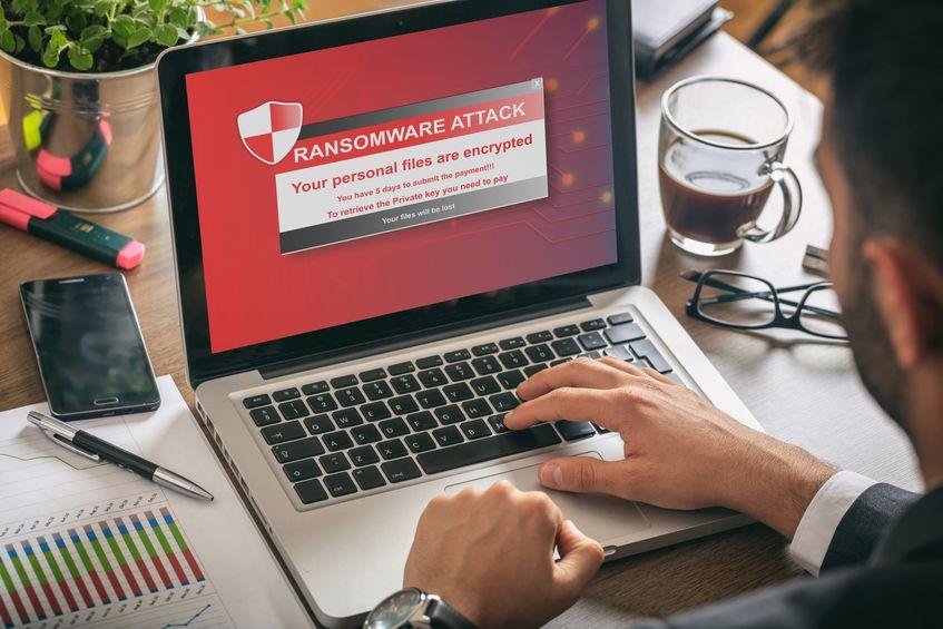 computador com antivírus