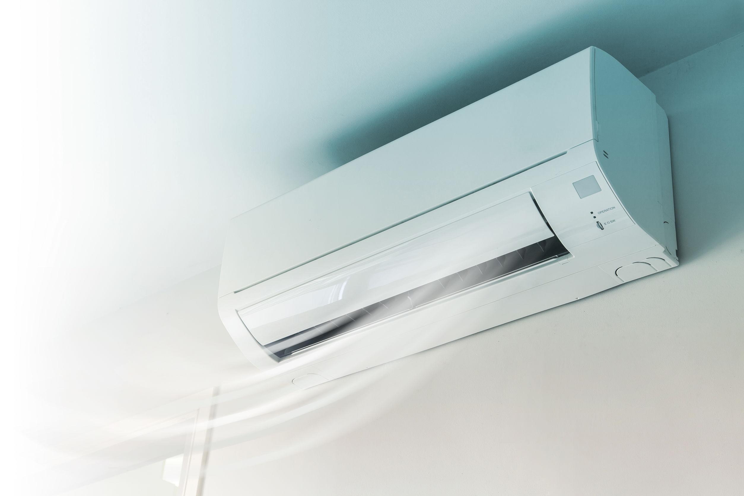 aparelho de ar condicionado instalado na parede