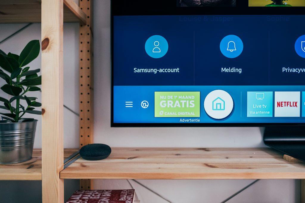 imagem de uma tela de TV no menu principal
