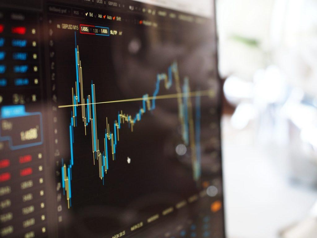 Os dividendos são uma parte do lucro de uma empresa que está listada na Bolsa de Valores, dividida entre os acionistas.