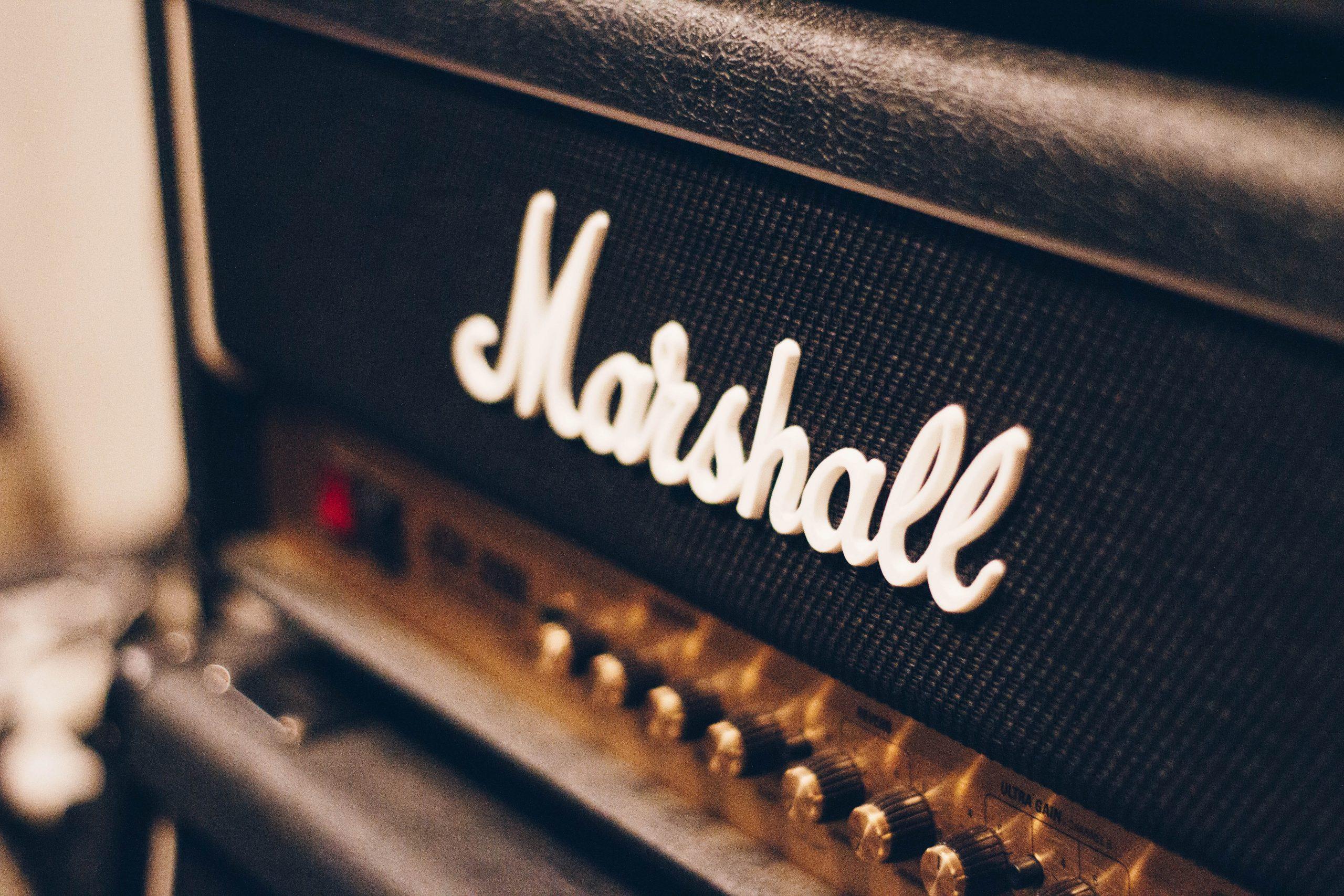 Primer plano de amplificador marshall