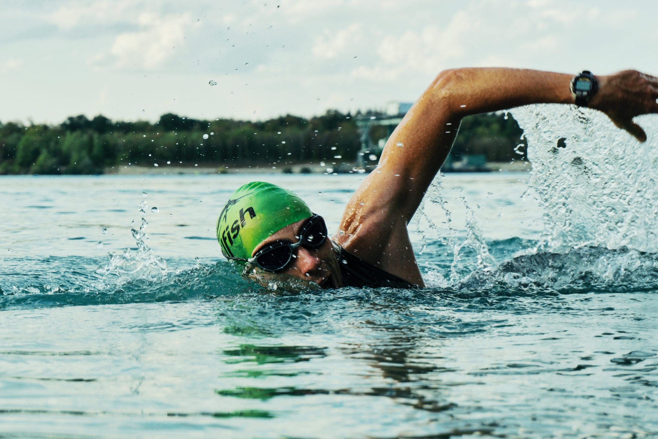 nadando con reloj